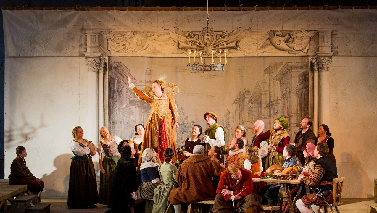 Opera Holland Park Chorus in La bohème, 2016 © Robert Workman
