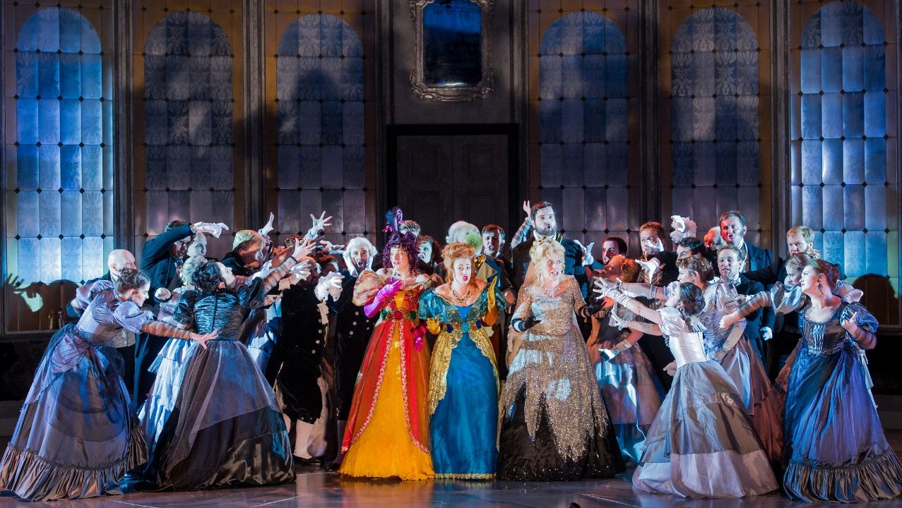 Opera Holland Park Chorus in La Cenerentola, 2016 © Robert Workman