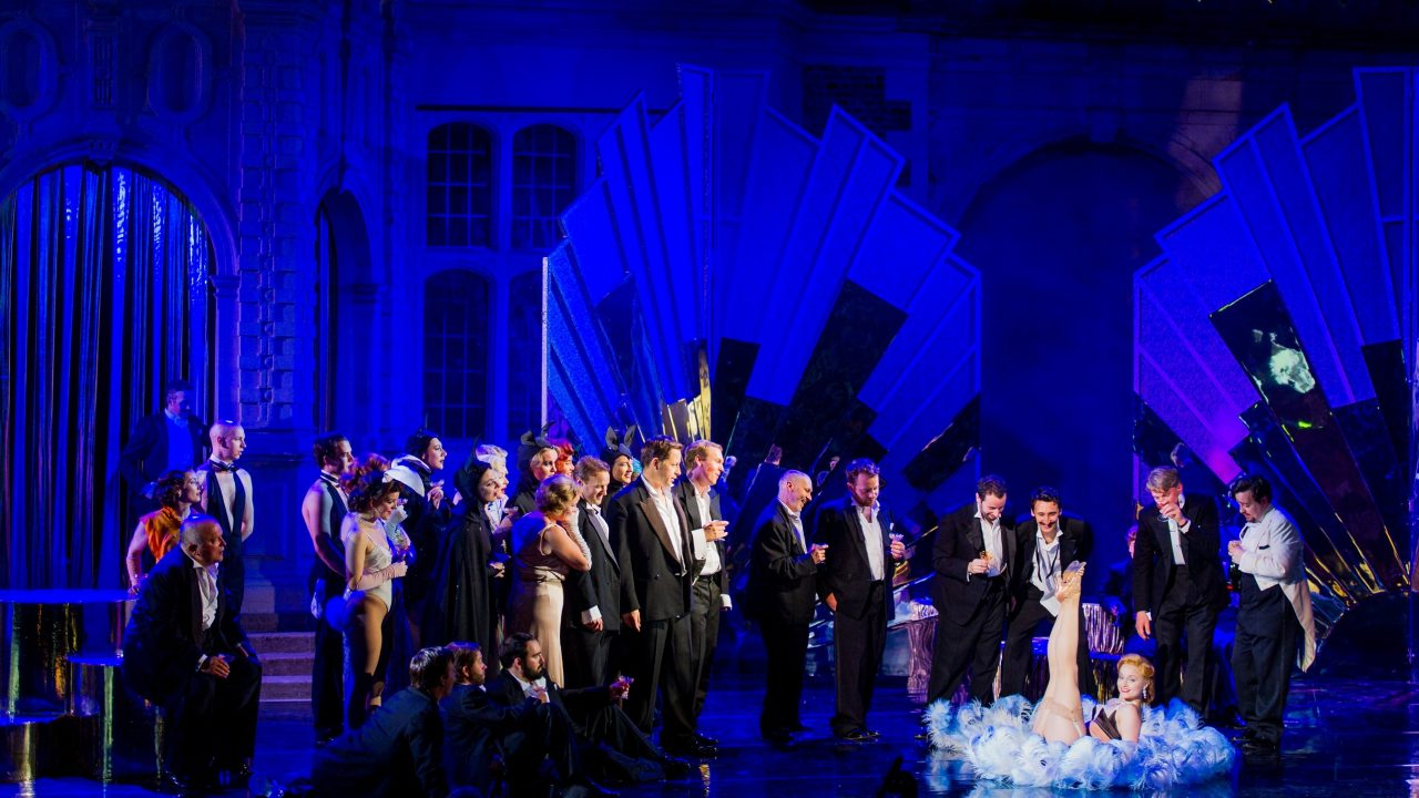 Opera Holland Park Chorus in Die Fledermaus, 2016 © Robert Workman