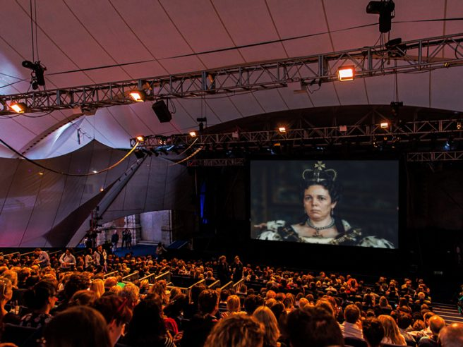 Luna Cinema: The Favourite