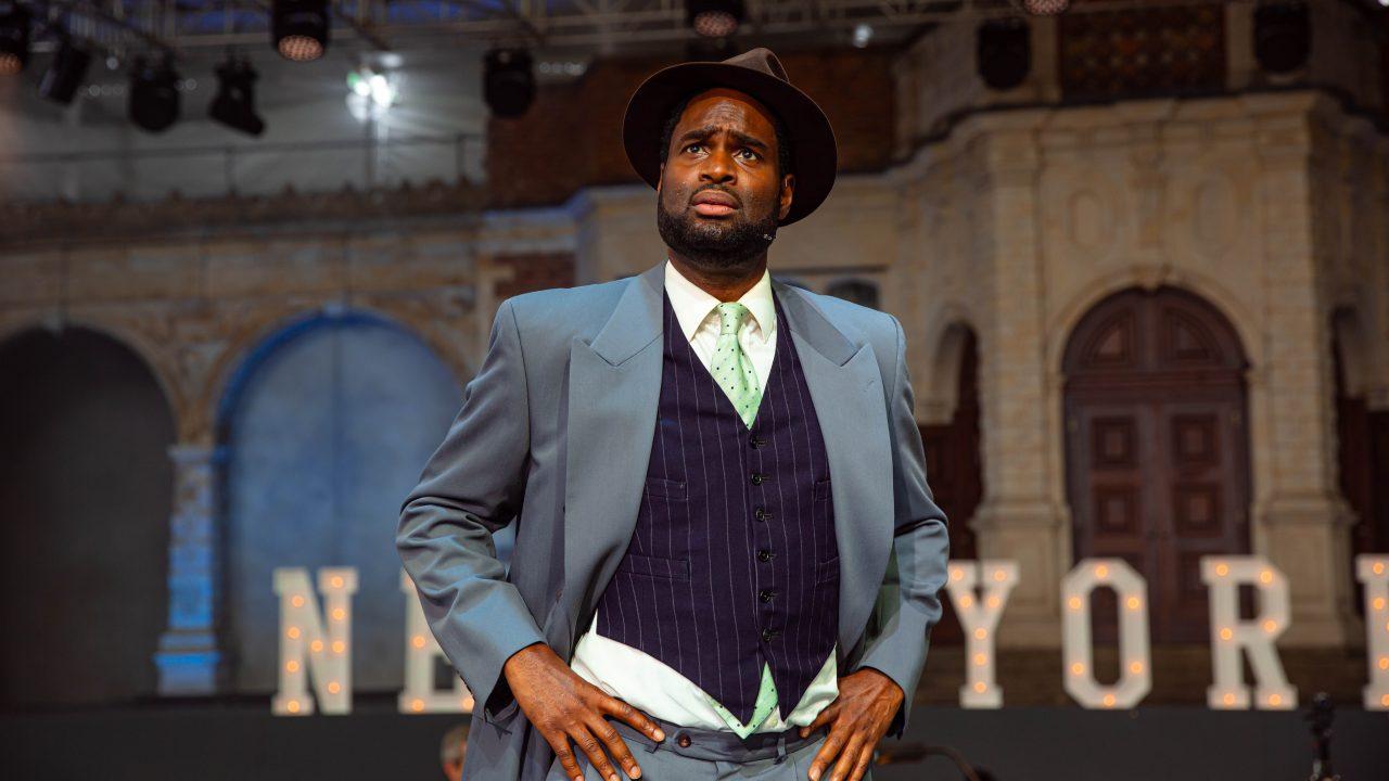Ako Mitchell as Bob Baker in Wonderful Town, 2021 © Danny Kaan