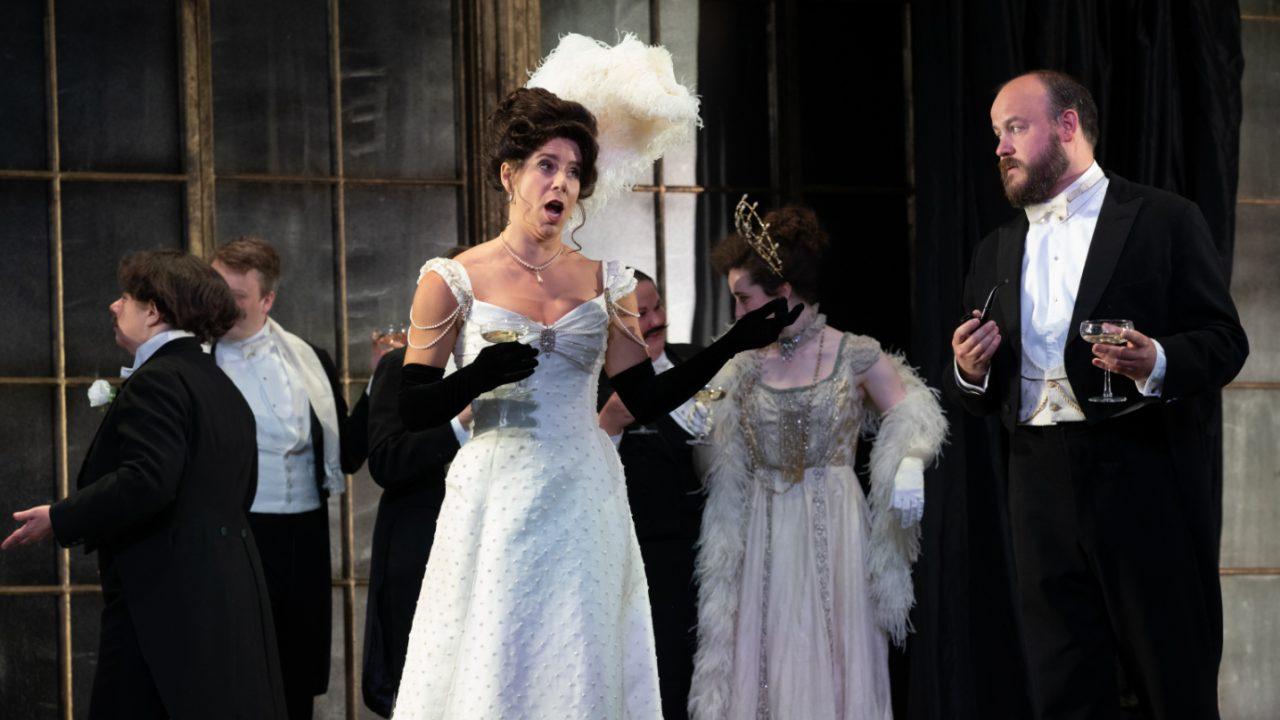Lauren Fagan as Violetta with Members of the Opera Holland Park Chorus in La Traviata, 2021 © Ali Wright