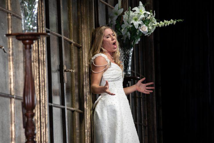 Lauren Fagan as Violetti in La Traviata, 2021 © Ali Wright