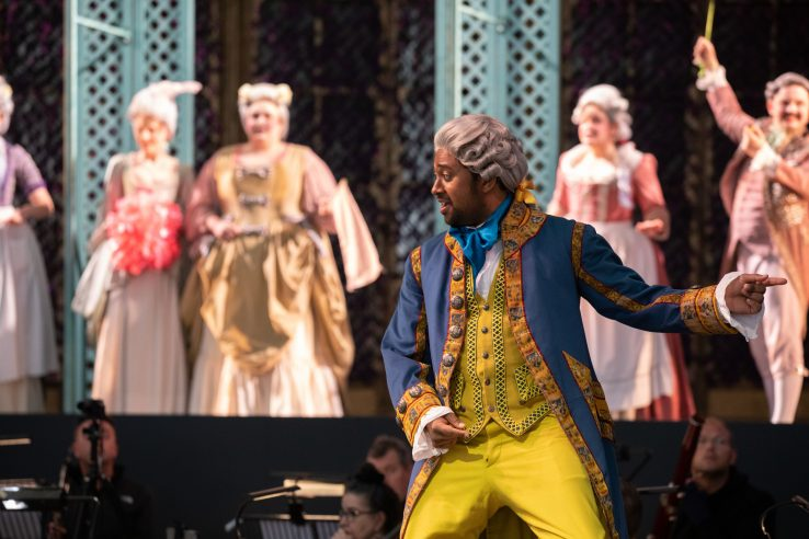 Ross Ramgobin as Figaro in The Marriage of Figaro, 2021 © Ali Wright