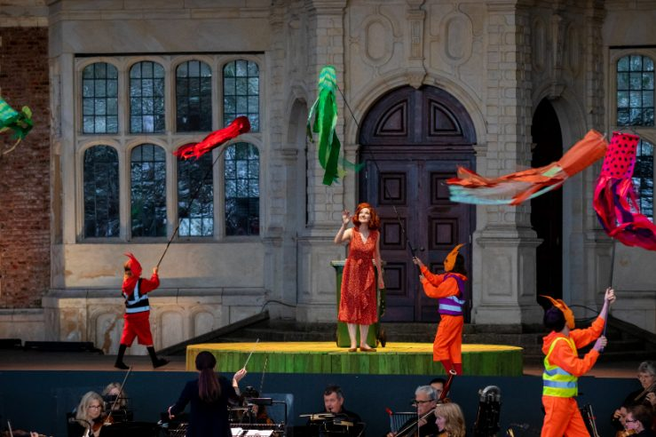 Jennifer France as The Vixen with members of the Children's Chorus in The Cunning Little Vixen, 2021 © Ali Wright