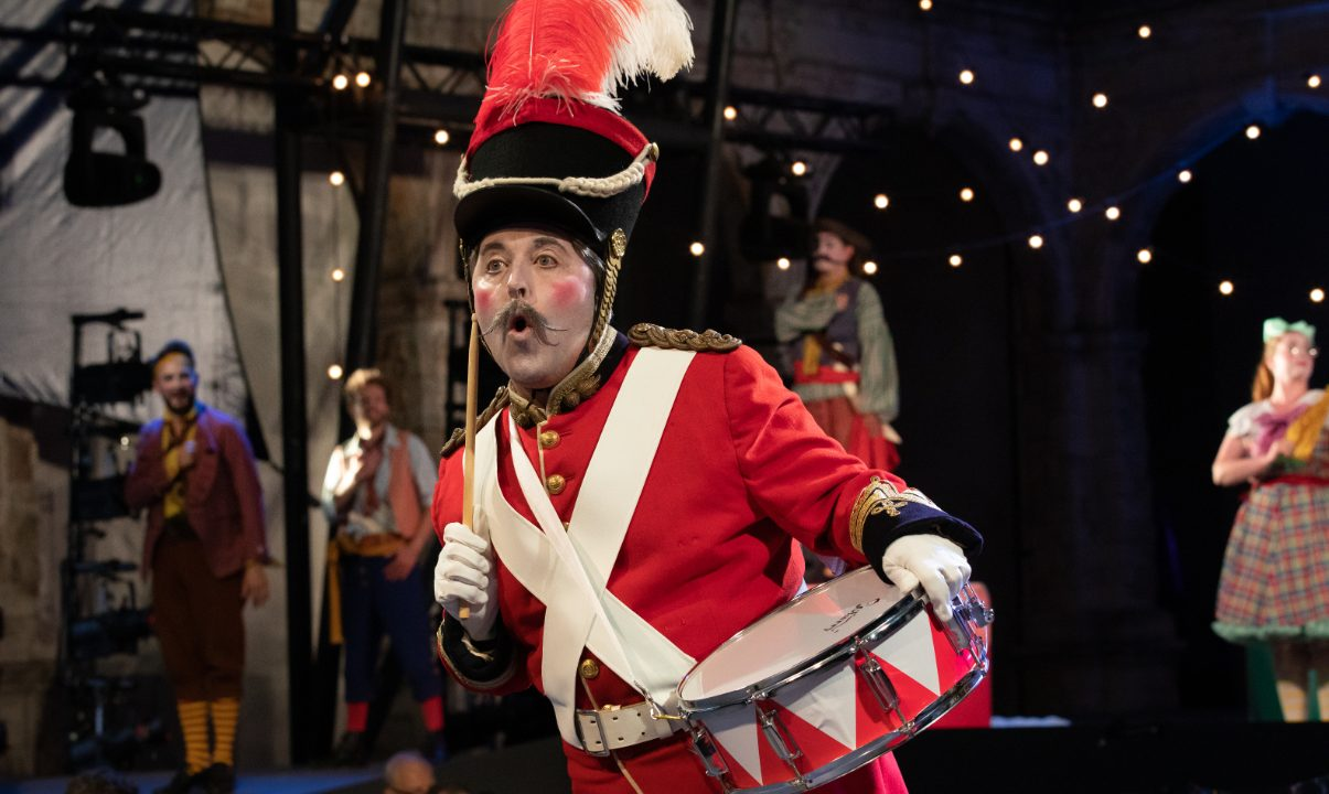 Richard Burkhard as Major-General Stanley in The Pirates of Penzance at Opera Holland Park, 2021 © Ali Wright